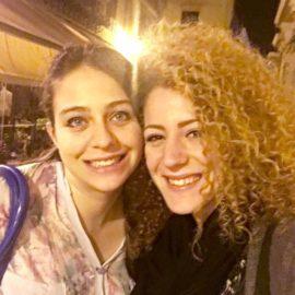 Chiara Scirè e Federica Foscari, stavolta è azzurro a tinte forti
